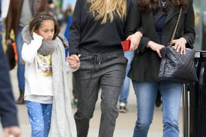 Jennifer Lopez, aparitie chic alaturi de sora sa. Cum arata si cu ce se ocupa Lynda Lopez