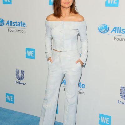 Dovada ca  mom jeans  nu arata bine pe (aproape) nimeni! Blugii care nu o avantajeaza nici pe Selena Gomez