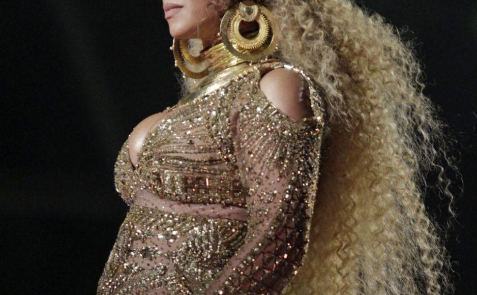 Beyonce, mama de gemeni. Cantareata a nascut in mare secret