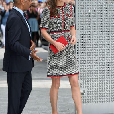 Detaliul ciudat pe care toata lumea l-a observat la genunchiul lui Kate Middleton