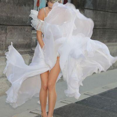 A vrut sa semene cu Marilyn Monroe, dar rochia nu a ascultat-o. Ce a patit tanara