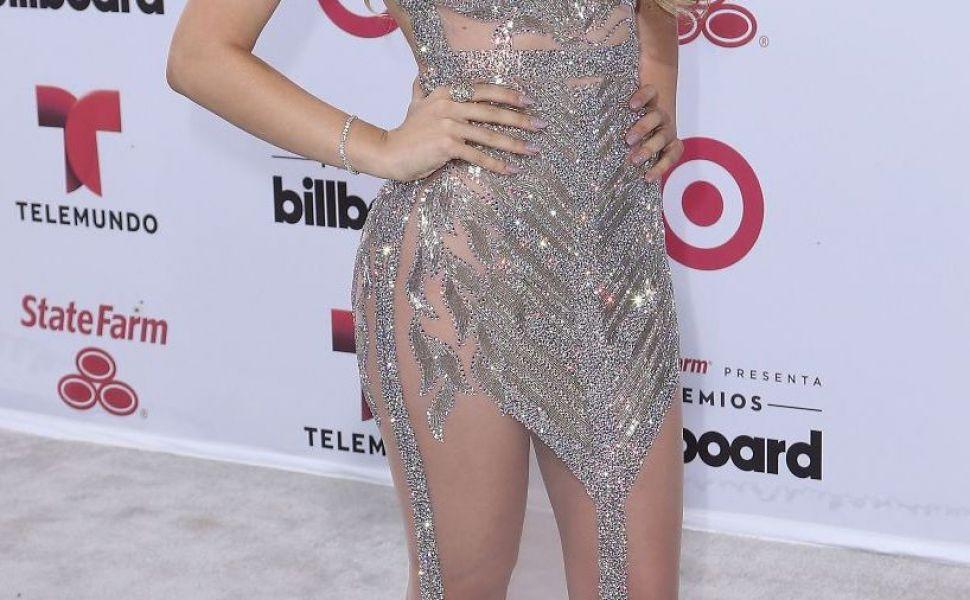 Cea mai operata vedeta din America Latina, Belinda, s-a despartit de iubitul ei iluzionist. Care este motivul