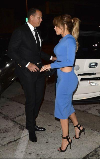 J. Lo, ultra sexy la bratul iubitului ei. Cum s-a imbracat cantareata la intalnire si ce detaliu a atras atentia