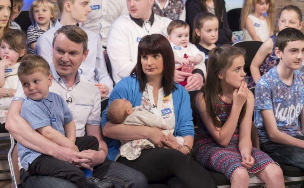 Ei formeaza cea mai numeroasa familie din Marea Britanie:  Suntem fericiti sa incheiem cu un numar frumos, rotund