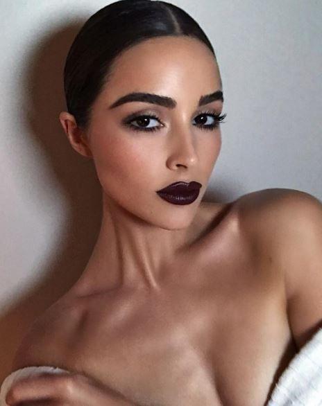 Miss Universe, poza de 140.000 de like-uri! Putine femei ar avea curajul sa se imbrace ca ea!