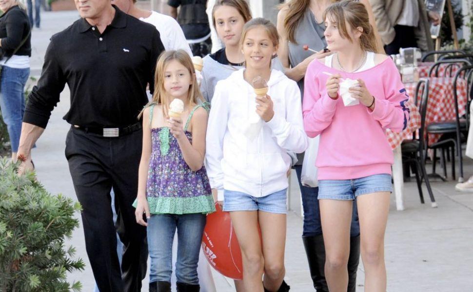 Fetele lui Stallone cuceresc lumea modelingului. Sunt incredibil de frumoase!