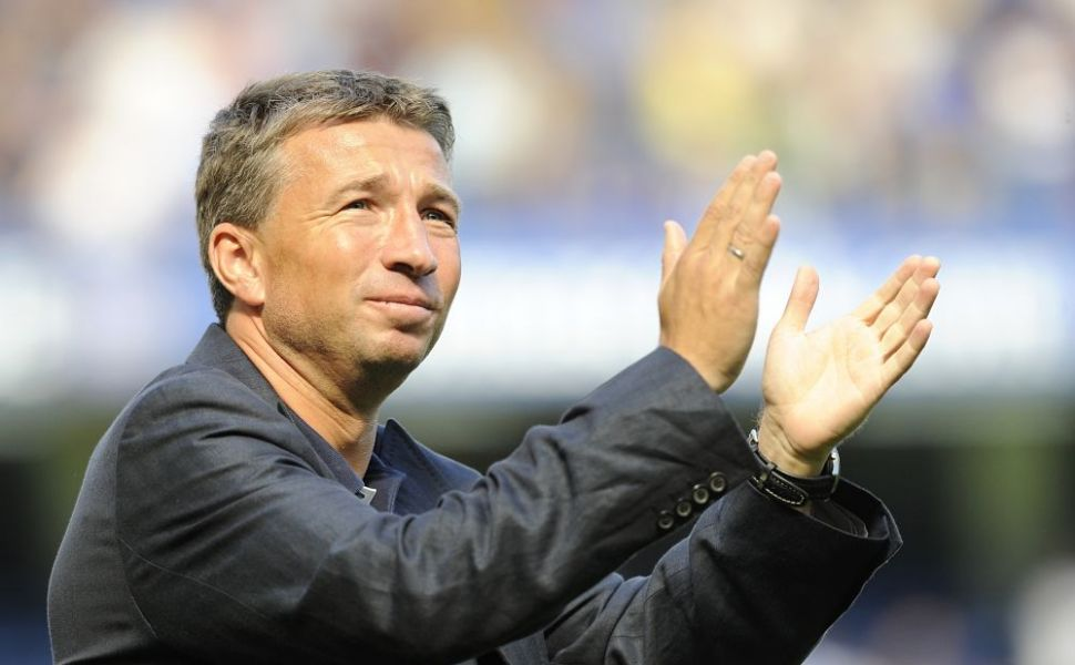 Dan Petrescu are o familie superba. Are o sotie super sexy si o fetita care ii seamana perfect