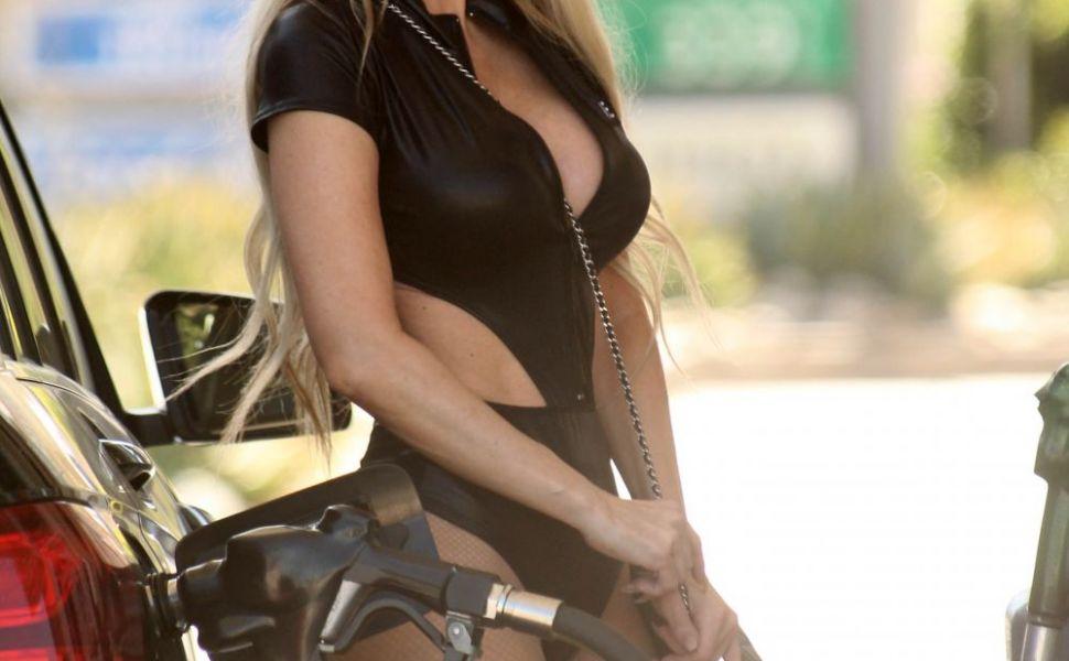 Ana Braga, prinsa intr-un moment rusinos. Ce-a facut una dintre cele mai sexy vedete, cand credea ca nimeni nu o vede