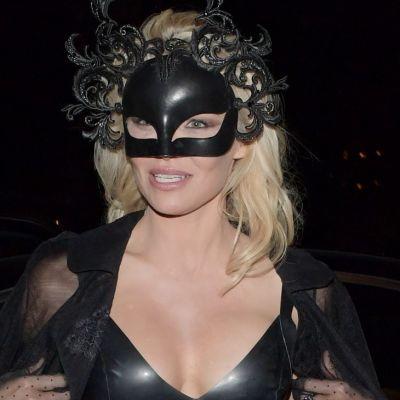 Pamela Anderson, in piele din cap pana in picioare. Cum arata actrita pe care toti barbatii au visat-o, la 50 de ani