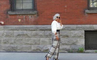 Si-a inceput cariera de model la 52 de ani dupa ce a devenit faimoasa pe internet. Vezi cum arata aceasta femeie
