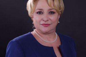Prima femeie premier din istoria Romaniei:blonda cu haine colorate si machiaj puternic.Ce o defineste pe Viorica Dancila