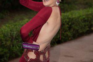 Sharon Stone nu s-a dezlipit de mult mai tanarul sau iubit la premiera filmului Mosaic. Cum arata acesta