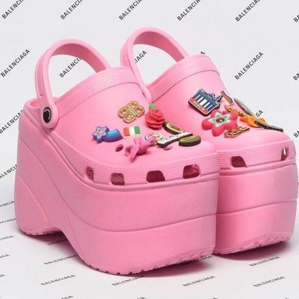 Cele mai urate modele de incaltaminte din 2018: botine din plastic, adidasi de bufon si pantofi infasurati in celofan