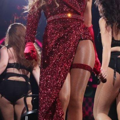 Cum se îmbracă o divă la sală. Jennifer Lopez şi-a impresionat fanii când le-a arătat în ce îşi lucrează muschii