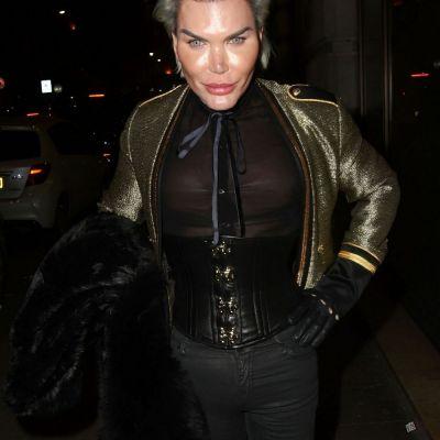 Bărbatul Ken, în centrul atenţiei la Săptămâna Modei de la Milano. Cum a apărut cel supranumit  Brazilianul de Plastic