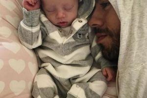Cum i s-a schimbat viața lui Enrique de când are gemeni. Cum arată soția lui la 4 luni după natere. Fanii sunt uimiți