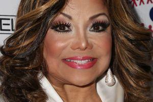 Sora mai mare a lui Michael Jackson îi calcă pe urme. Și-a distrus fața din cauza operațiilor. O să rămână fără nas?