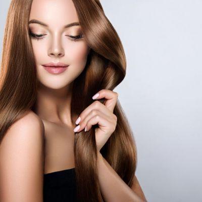Cum să te speli fără șampon, să scapi de mătreață și părul să îți crească mai repede. Găsești ingredientele în bucătărie