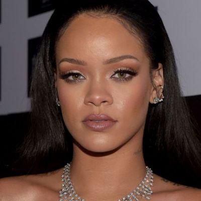 Mai tare ca profesorii universitari. Rihanna primește titlul de Doctor Honoris Causa