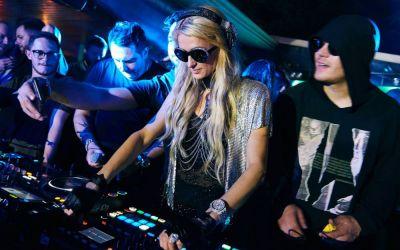 Paris Hilton a prins drag de România! Revine acum la Mamaia, pe 18 august! Un elicopter privat o aduce din București direct la mare!