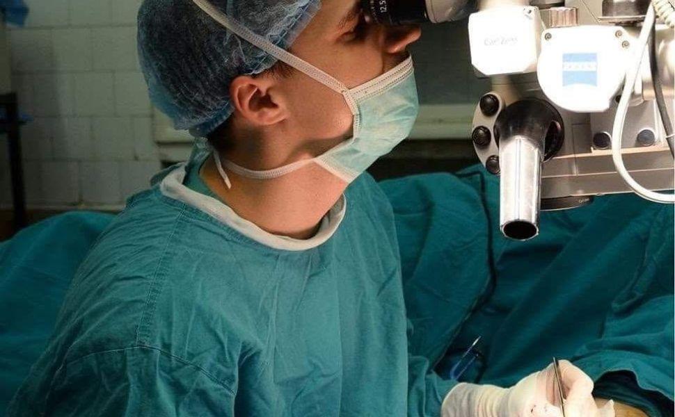 Cum scăpăm de gușă sau bărbia dublă! Se rezolvă fără intervenție chirurgicală! Mai multe aflăm de la Dr. Gabriel Mazilu