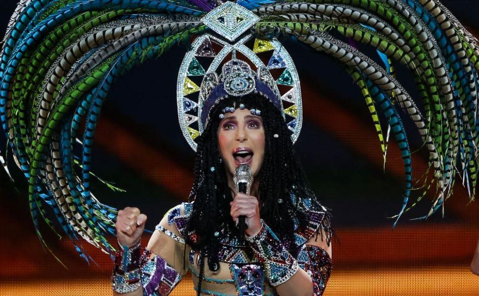 La 72 de ani, Cher a dezvăluit secretul unui posterior perfect