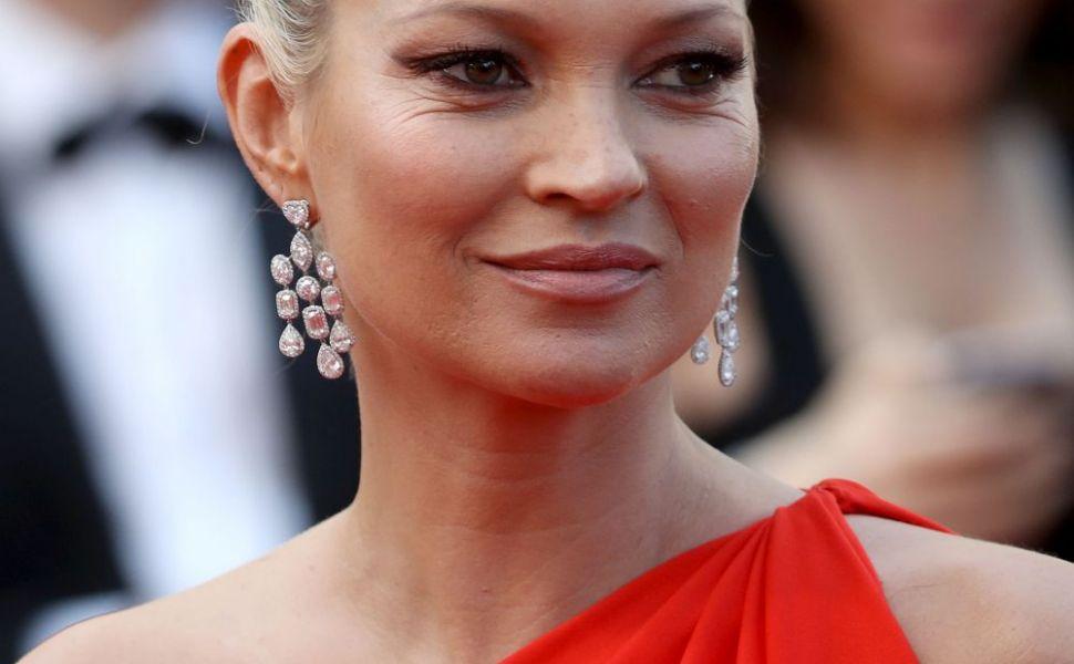 O petrecăreață notorie, Kate Moss s-a lăsat acum de băut. Care este motivul