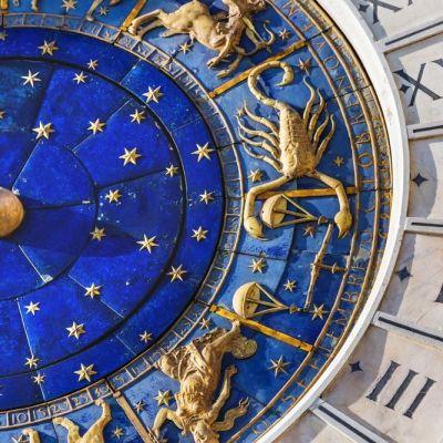 Horoscop săptămânal 1-7 octombrie. Taurii primesc cadouri de la persoana iubită, vezi ce se întâmplă cu Balanțele