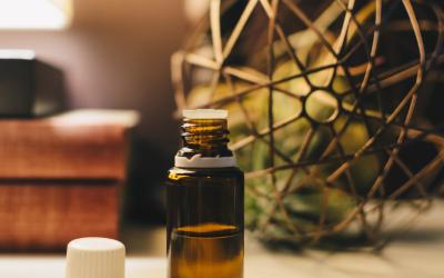 Uleiurile esenţiale, metodă alternativă de vindecare fizică şi sufletească! Află părerea unui biolog!