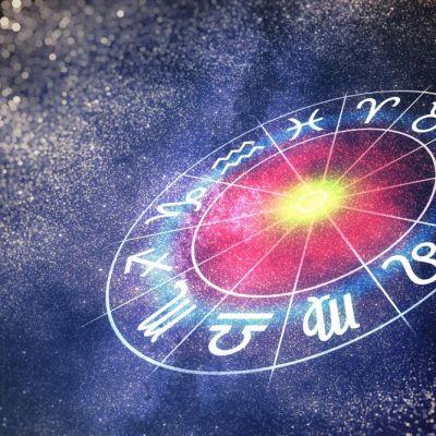 Horoscop săptămânal 8 - 14 octombrie. Balanțele au cheltuieli neașteptate, vezi ce se întâmplă cu Taurii