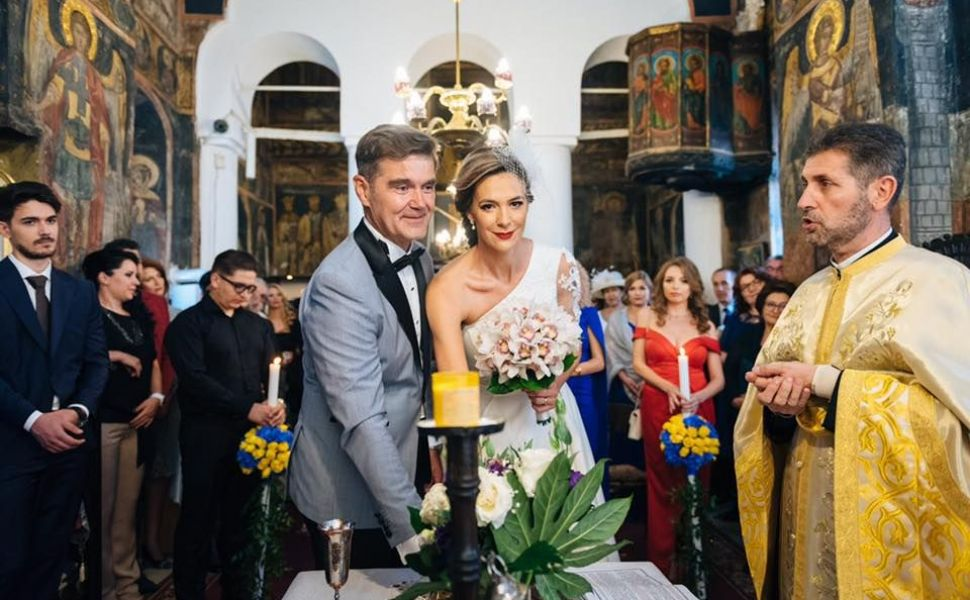 Iulia Albu critică rochia de mireasă a Roxanei Ciuhulescu