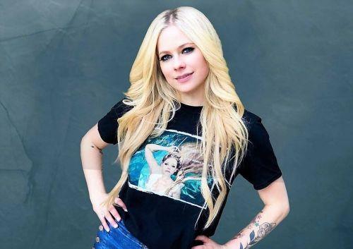 """Avril Lavigne, despre boala Lyme care a ținut-o departe de scenă vreme de trei ani: """"Eram gata să"""