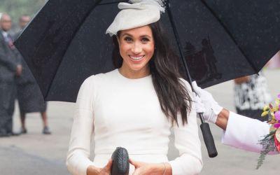 L-a fermecat pe prinţ: Meghan Markle, în prima sa ţinută de gală! Vezi fotografiile speciale!