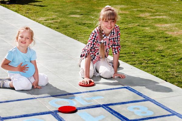 top 10 jocuri pentru copii si care sunt regulile. Black Bedroom Furniture Sets. Home Design Ideas