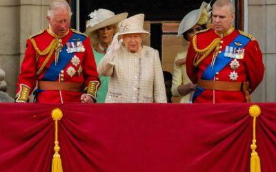 Dezvăluiri scandaloase despre Familia Regală! Este un amant îndrăzneț, care nu are limite în pat