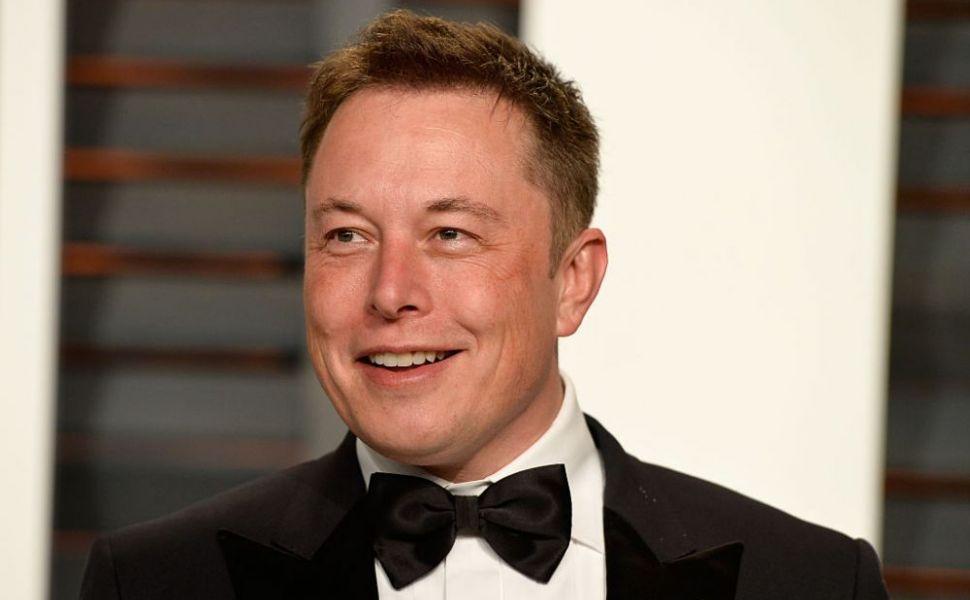Elon Musk, pozitiv și negativ, în aceeași zi, la testul ...